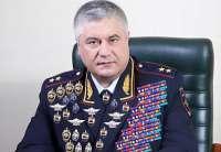 Портрет министра внутренних дел Владимира Колокольцева в кругу семьи и братвы